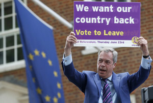 Nigel Farage bol hlavným zástancom brexitu. Po úspešnom referende sa z verejného života pomaly vytráca.
