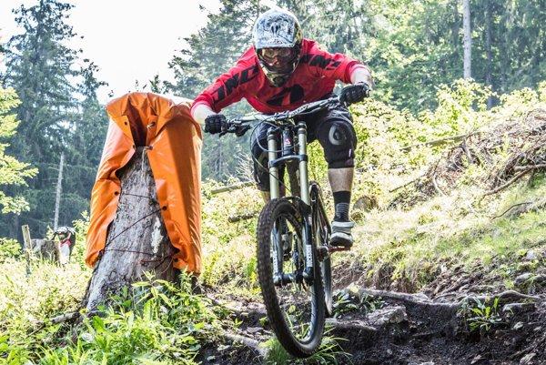 Patrik Chudiak jazdí downhill už 10 rokov.