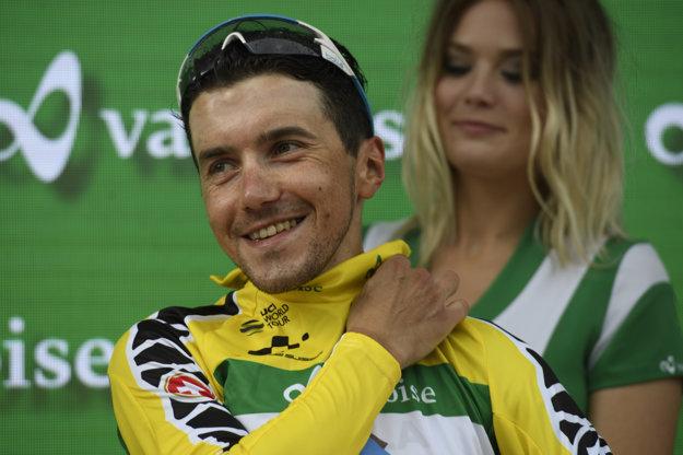 Domenico Pozzovivo z tímu AG2R La Mondiale sa napokon obliekol aj do žltého dresu pre lídra celkového poradia.