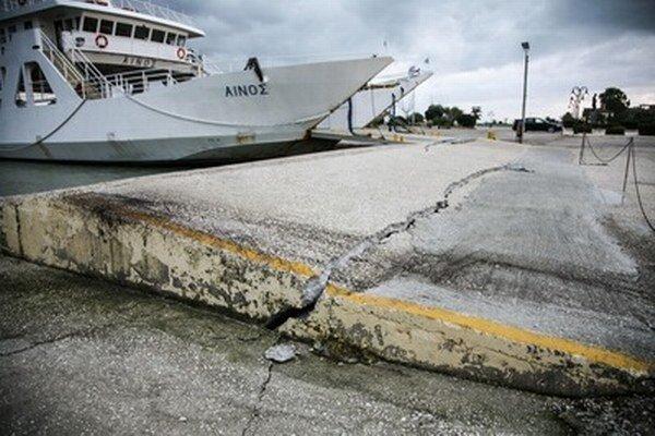 Predošlé zemetrasenie zničilo aj mólo.