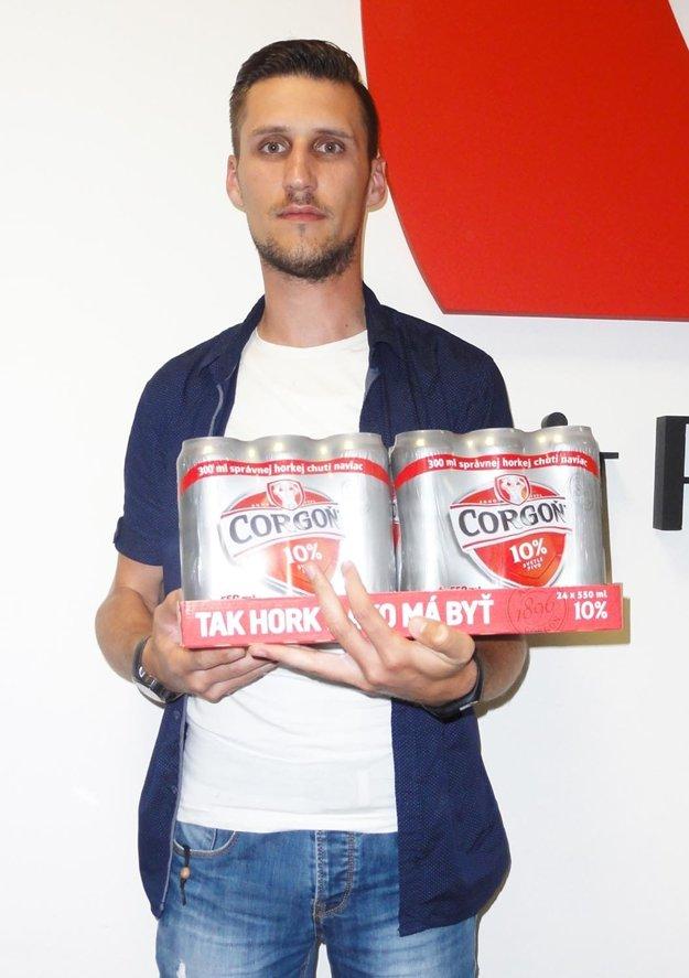 Kartón piva Corgoň od spoločnosti Heineken si z redakcie odniesol Tomáš Klobučník z Lúčnice, víťaz 13. kola.