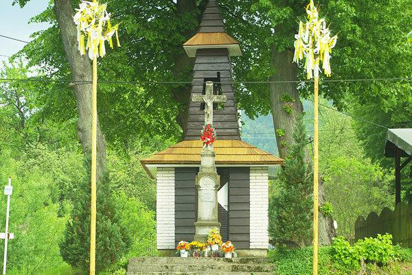 Zvonička v Strelenke.