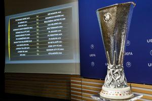 Trofej, o ktorú zabojujú tímy v Európskej lige.