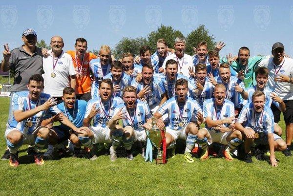 Starší dorastenci FC Nitra U19 po víťazstve nad Spartou Praha vo finále Čsl. pohára.
