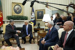 Stretnutie prezidenta Porošenka s americkým prezidentom bolo oveľa striedmejšie ako v minulosti.