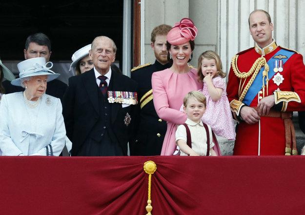 Každé verejné vystúpenie kráľovskej rodiny láka veľa pozornosti.