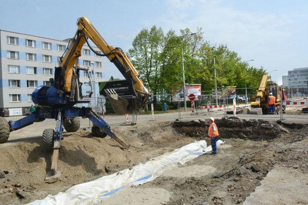 Momentka z prác na Ulici B. Němcovej