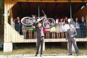 Jakub sa teší znového bicykla.