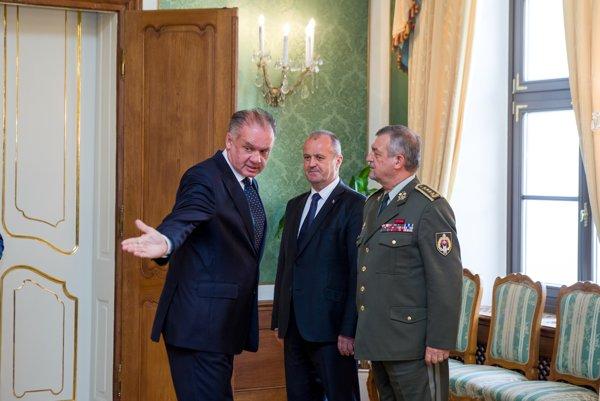 Vojenská vrchnosť musela vysvetľovať krádeže granátov a nábojov aj prezidentovi Andrejovi Kiskovi.