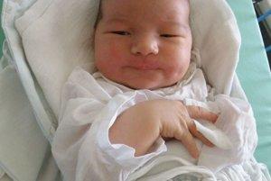 Vytúženým prvým dieťaťom Michaely a Daniela Remšíkovcov z Novej Dubnice je od 4. júla syn Daniel (4190 g a 54 cm).