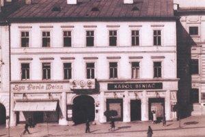 Beniačovci mal obchod s modrotlačou priamo na Námestí SNP v Banskej Bystrici.
