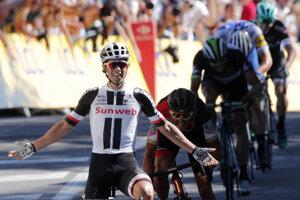 Michael Matthews sa raduje z etapového víťazstva.