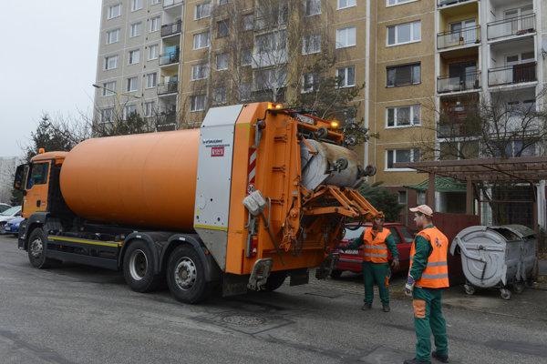 Technické služby mesta Prešov. Naďalej budú voziť smeti oni, akurát sa zmení, že komu.