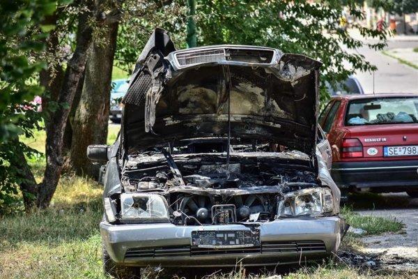 Auto zhorelo v Myjave