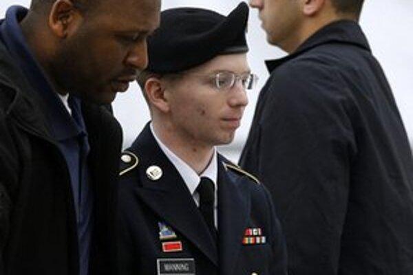Manning je vo väzbe už tri roky.