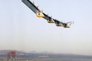 Na diaľku pilotované lietajúce krídlo Centurion.