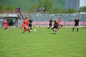 Pov. Bystrica (v červenom) sa pohárovej súťaži predstaví po niekoľkoročnej odmlke