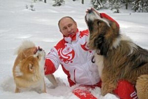 Putina by mal v budúcich voľbách už niekto nahradiť, myslí si väčšina.