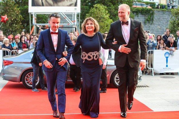 Kameraman, režisér a prevádzačova mama. Martin Žiaran a Peter Bebjak boli mimoriadne spokojní, že na spoluprácu kývla aj Milka Vášáryová.