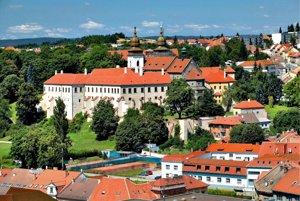 Pohľad na zámok a Baziliku svätého Prokopa v Třebíči