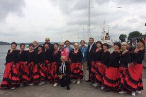 Seniorky z Diamantu vystúpili aj v prístave mesta Tonsberg.