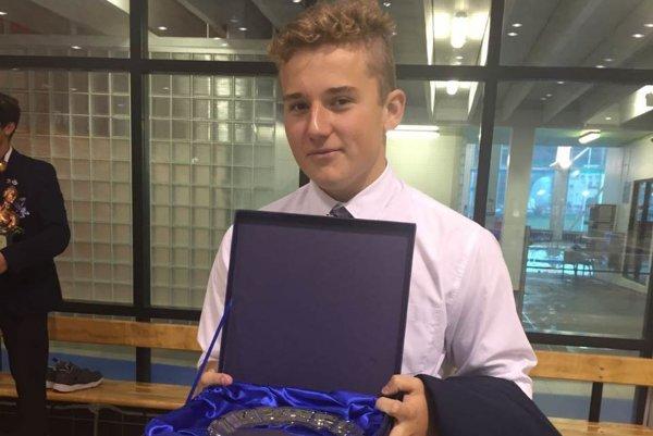 Patrik Zaťko s trofejou.