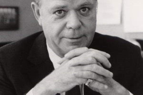Fred Turner začal vo firme ako obracač hamburgerov.