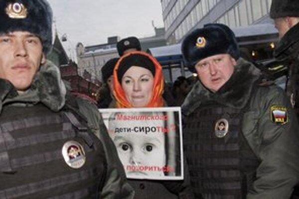 Siroty sú obeťou kremeľského hnevu na USA.