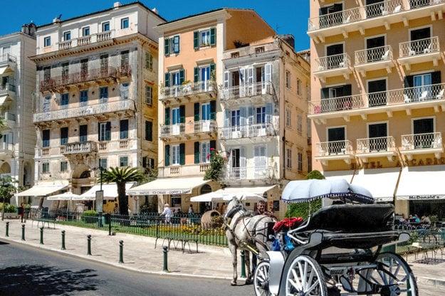 Mesto Korfu je jednou z atrakcií ostrova.