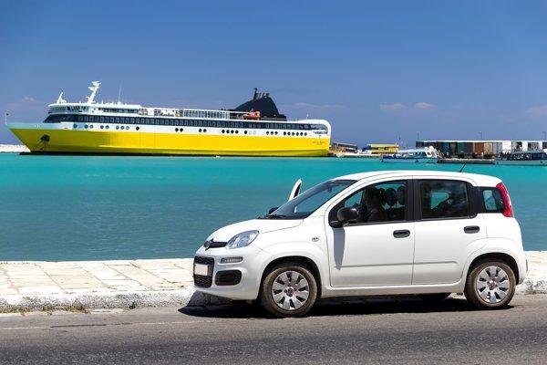 V tomto období mnohí vyrážaujú na dovolenky na požičaných autách.