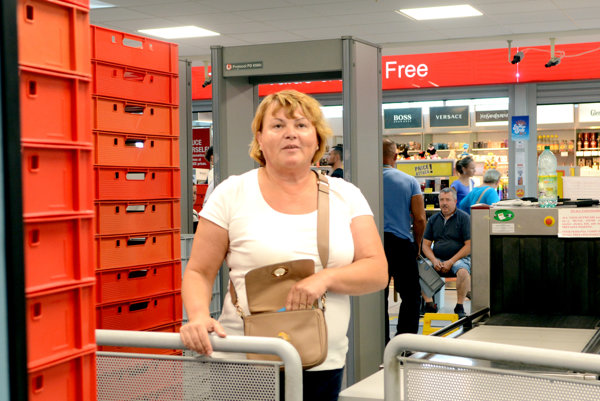 Pomohla Mária. Bez váhania sa podujala, že pas doručí do správnych rúk.