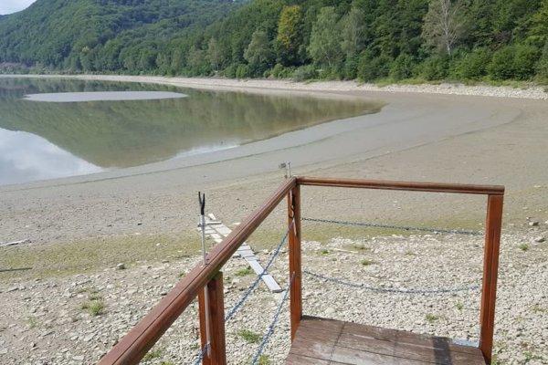 Kde býva zvyačajne voda sú len kamene a blato.