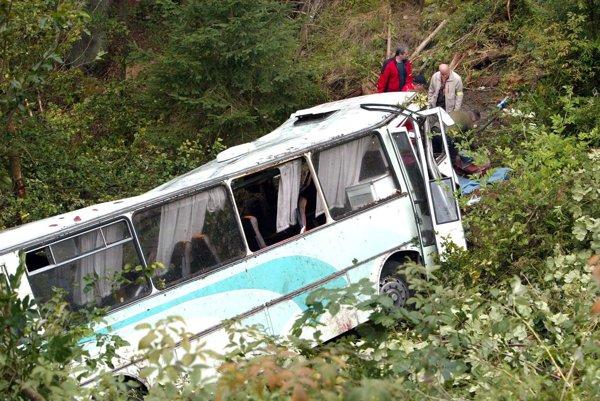 Nehoda si vyžiadala päť obetí.