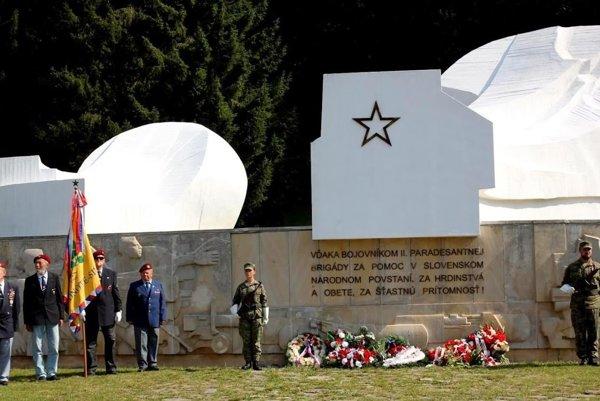 Pamätník II. čs. paradesantnej brigády v Krpáčove.