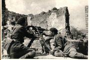 Francúzski partizáni po boku povstalcov v boji o Strečno. (fotografované dodatočne)