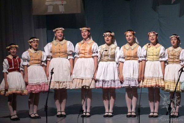 Folklórny súbor Zemplín sa prestaví hudobno-tanečným vystúpením Generácia takí sme boli.