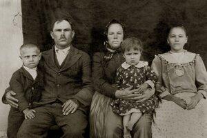 Rodinná fotografia richtára Jána Savku.