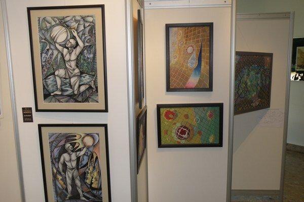 Výstava predstavuje diela výtvarníkov z hornej Nitry.