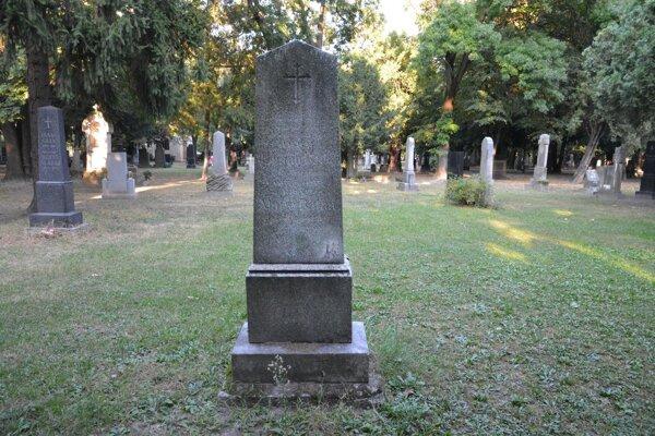 Hrob Jána Batku na Ondrejskom cintoríne.
