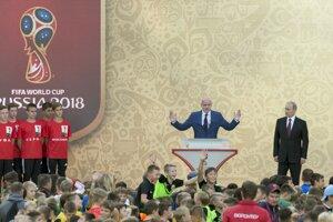 Prezident Medzinárodnej futbalovej federácie (FIFA) Gianni Infantino počas príhovoru.