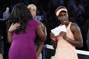 Sloane Stephensová po obdržaní šeku za víťazstvo na US Open.