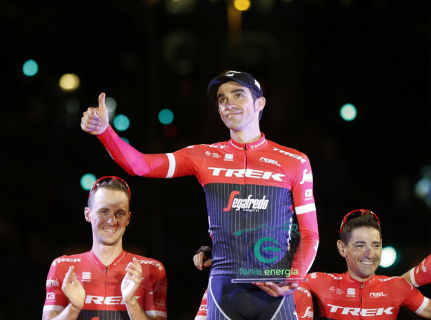 Alberto Contador ďakuje fanúšikom. Po Vuelte končí s kariérou.