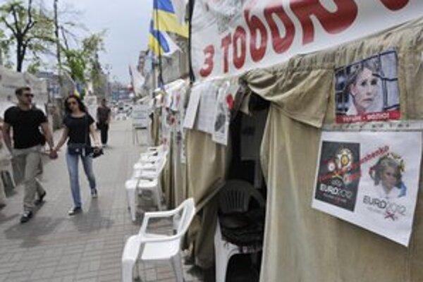 Protestujú aj samotní Ukrajinci. Stanový tábor na podporu Julie Tymošenkovej stojí v centre Kyjeva.