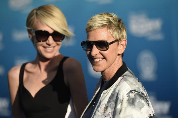 Ellen s manželkou Portiou de Rossi.