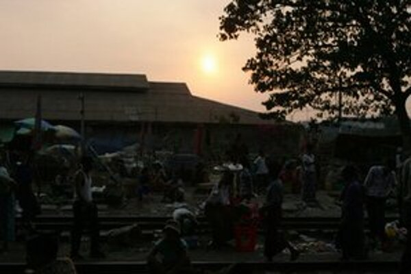 Momentka z Rangúnu.