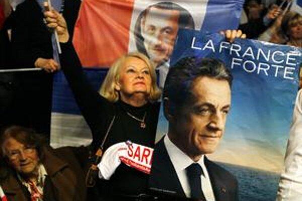 Sarkozyho návrhy na mítingu vo Villepinte vítal dav  50tisíc ľudí s nadšením.