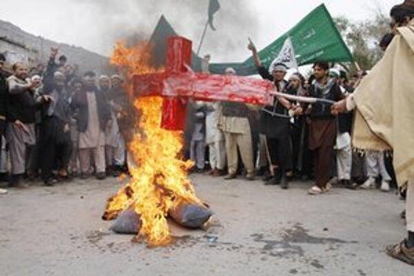 Proti masakre sa protestovalo na mnohých miestach Afganistanu.