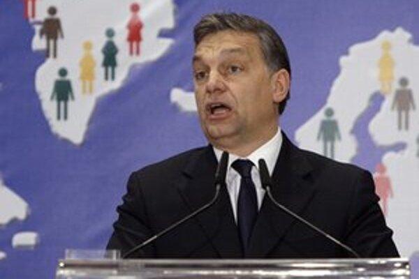 Orbán pricestoval na krátku návštevu Nemecka.