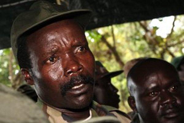 Video o Konyho detských zabijakoch je sugestívne a profesionálne prevedené. Na YouTube pod ním zákazali komentáre, v ktorých začala prevládať kritika, že klip manipuluje udalosťami, aby podporil zbierku na Ugandu.