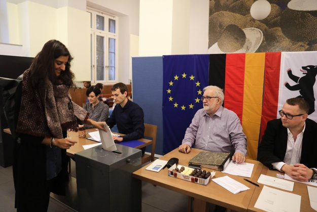 Prví nemeckí voliči.